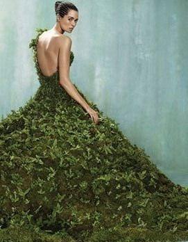 苔ウェディングドレス