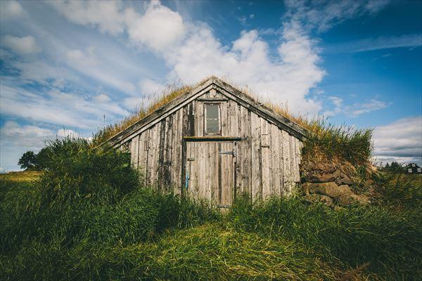 アイスランドの芝の家